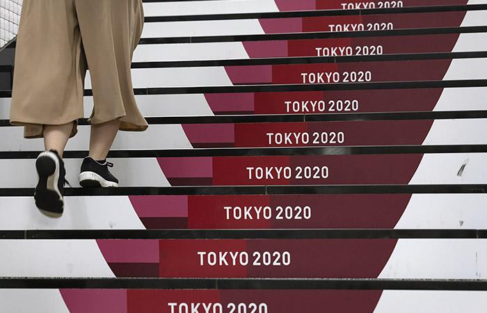 Российских регбисток изолировали в Токио из-за COVID у массажиста сборной