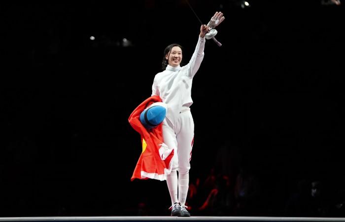 Китаянка Сунь Ивэнь выиграла золото ОИ в соревновании на шпагах