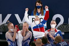 Российские гимнастки впервые выиграли золото ОИ в командном многоборье