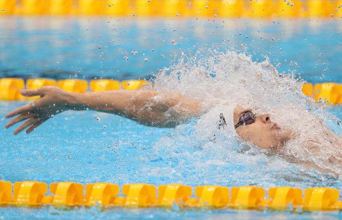 Россиянин Рылов с олимпийским рекордом выиграл заплыв на 200 м на спине