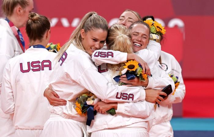 Женская сборная США по волейболу впервые выиграла Олимпиаду